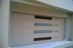 Sezionale garage con finestrature